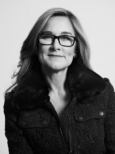 Burberry CEO Angela Ahrendts will become Apple's senior vice president of retail and online stores.