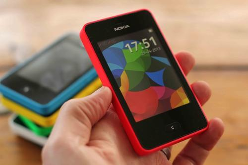 The user interface on Nokia's Asha 501 has a new homescreen that allows users to see recently accessed contacts, social networks and apps.